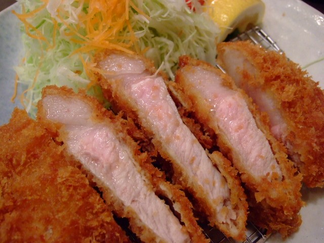 溢れる肉汁!甘味と旨味凝縮の島豚! ハービスプラザ 「とんかついなば和幸」