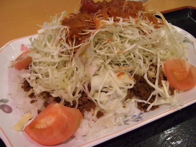 超ボリュームのタコライス! 大阪駅前第3ビル 「レストランOKINAWA」