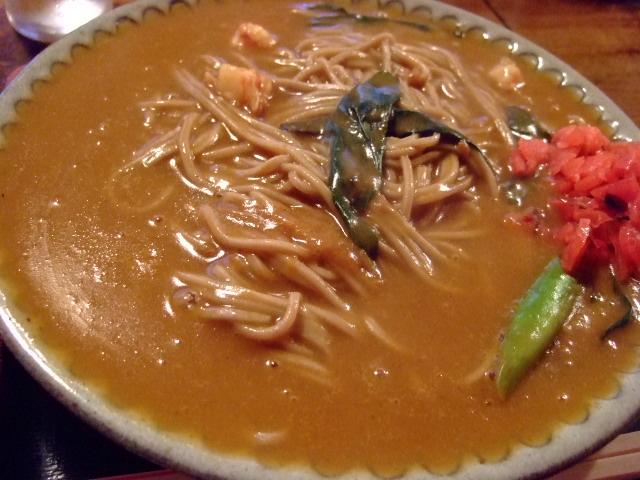 熱々でとても温まるカレーそば 曽根崎 「瓢亭 (ひょうてい)」