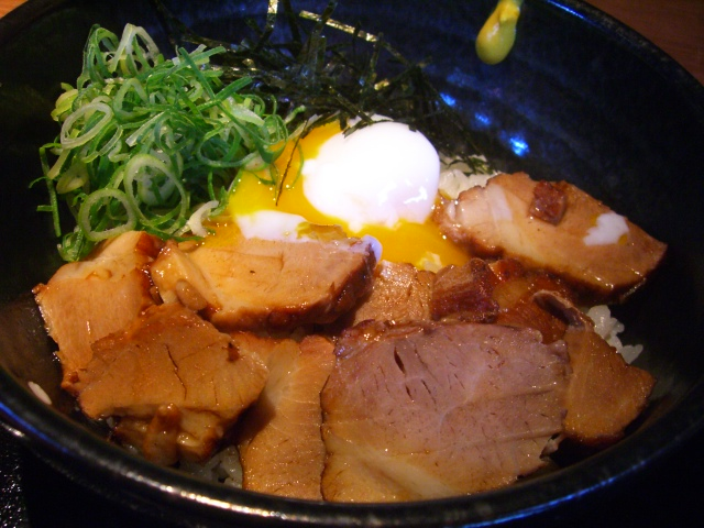 豚料理の得意な居酒屋 中崎西 「豚のはれぶたい」