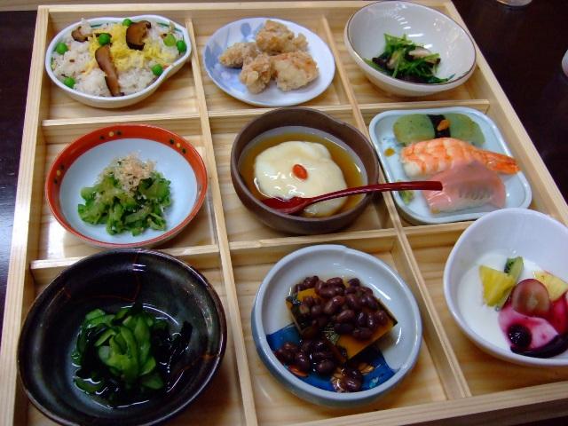 体も心も健康になれる超低カロリーなヘルシー弁当 南港 「知食旬菜 ETSU」