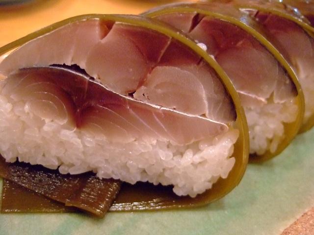 回転ではないお寿司のファミレス 茨木市 「三府鮨 茨木インター郡店」