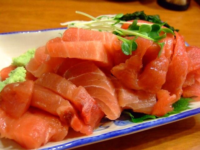新鮮な旨すぎるマグロのてんこ盛り! 福島 「海辺の茶屋 しづき」
