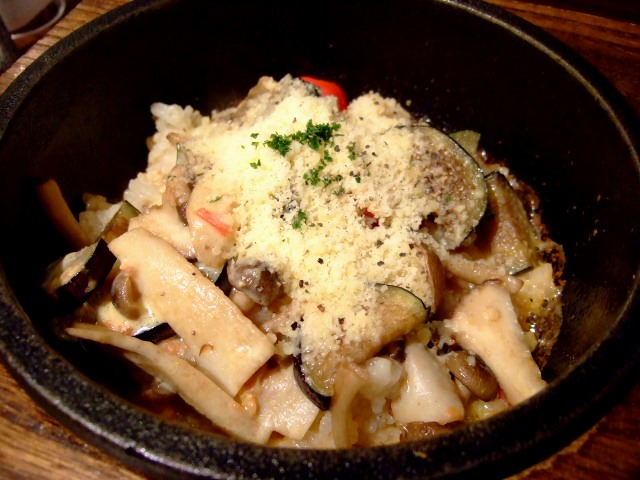 ちょっと変わった石焼炒飯専門店 伊丹市 「広東炒飯店」