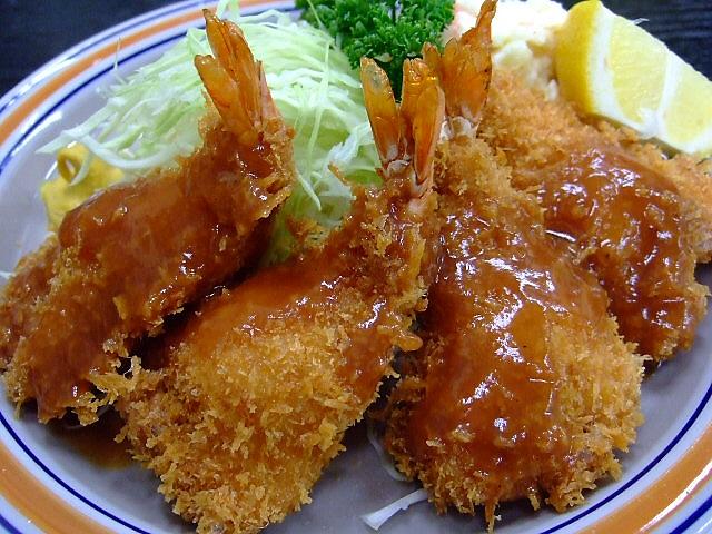 市場では食べ過ぎてしまいます(^^; 大阪市中央卸売市場 「丸三食堂」