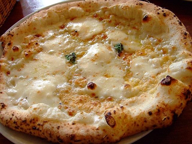 海辺でいただく本格ピザ マリンピア神戸 「ピッツェリア ラ・バラオンダ」