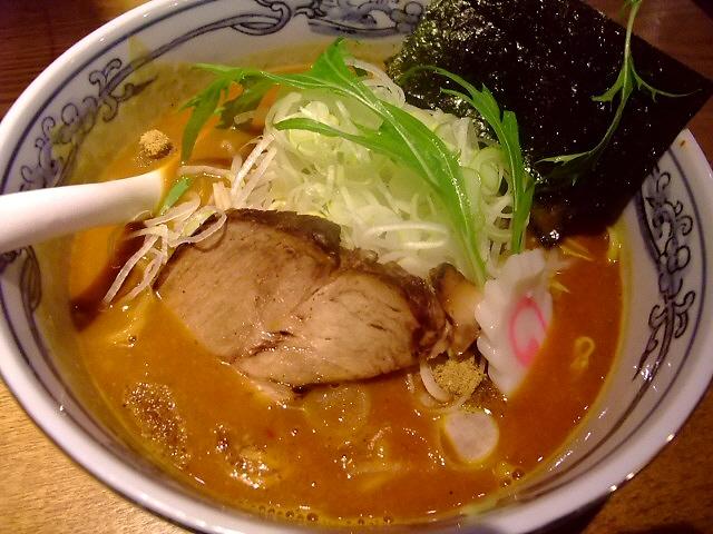 優しい味わいのベジポタ系は凄まじい人気でした!  江坂 「麺や 六三六 江坂店」