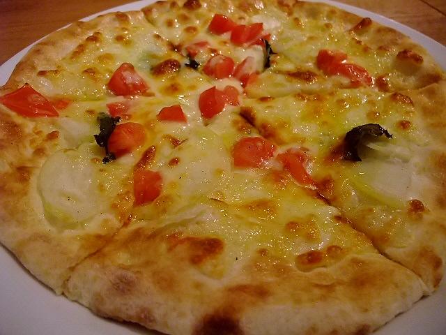 薪窯で焼く本格ピザが旨い! 大淀南 「ナポリ食堂」