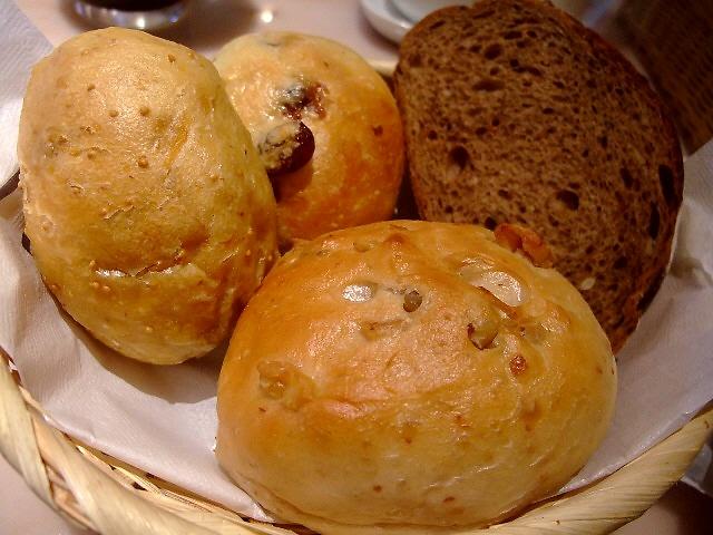 パン屋さんのお得なパン食べ放題ランチ 豊中市曽根東 「ルフラン 曽根本店」