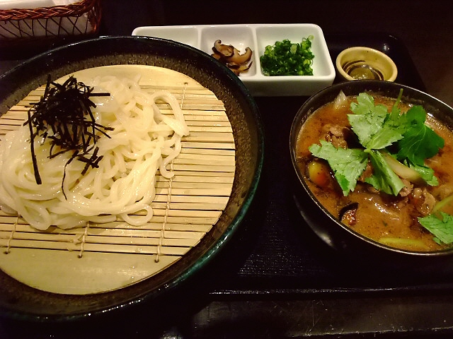 季節限定の特製肉汁がめちゃくちゃ旨い! 上本町 「饂飩馳走 春菜」