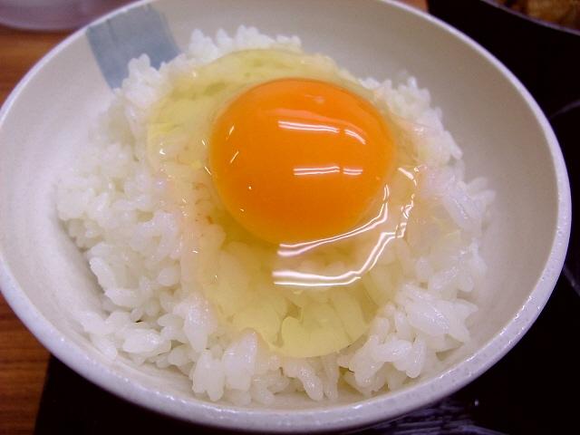 安心卵のたまごかけごはん専門店 西天満 「たまごかけごはん 仲福食堂」