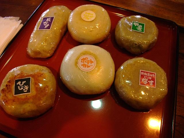 バラエティー豊かなおやきを焼きたてで! 長野県 「あづみ堂」