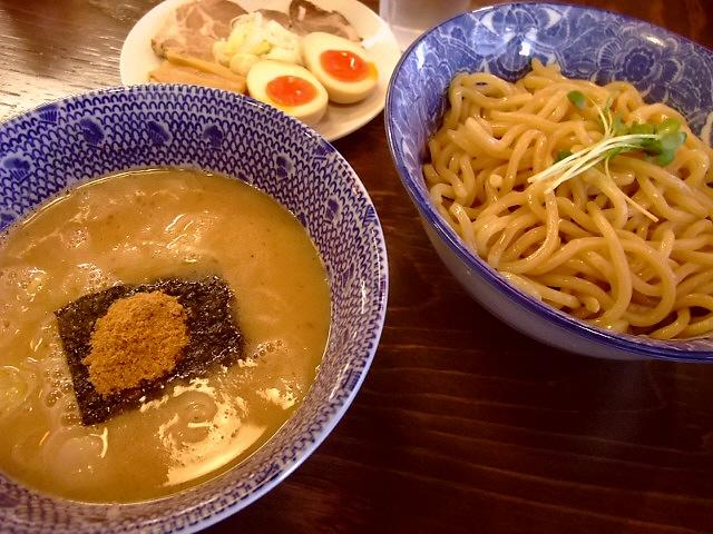 流行の味ですが旨いもんは旨い! 福島区 「つけ麺 紋次郎」