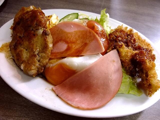 昭和の空気がゆったり流れる昔ながらの洋食屋さん 豊中市 「グリルおかだ」