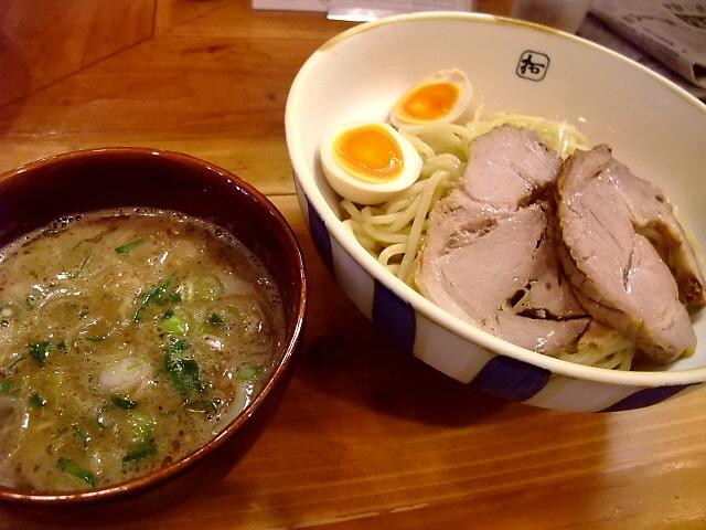 お洒落な雰囲気でいただく本格つけ麺 西区北堀江 「麺や拓」