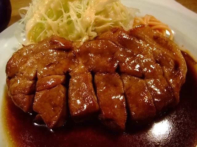 三重県四日市のご当地グルメが食べられます 大阪駅前第2ビル 「大阪トンテキ」