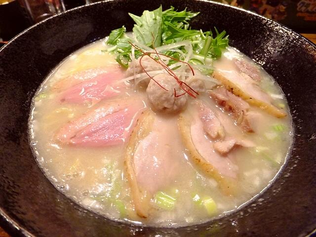 洗練され尽くした鶏の旨味が凄過ぎます!   大東市  「麺や 而今(じこん)」