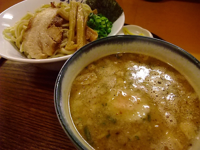 鶏の旨みが濃厚です 東大阪市 「麺や 紡」
