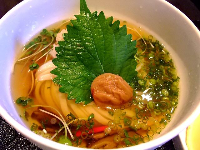 大人気のお洒落なうどん屋さん 上本町 「饂飩馳走 春菜」