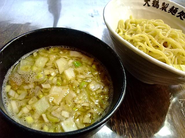 雨でも大行列の超人気店 東淀川区 「大鶴製麺処」(臨時出張所)