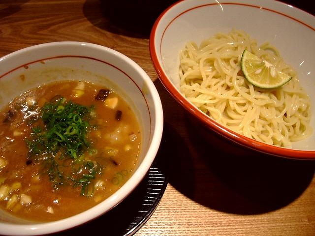 名店の塩つけ麺はとても洗練された味わいです! なんば 「TSUKEMEN TATSU」