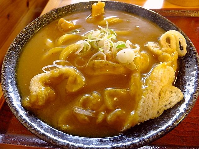 こんなに美味しいカレーうどんをつくられては困ります(^^;  兵庫県  「いわしや」