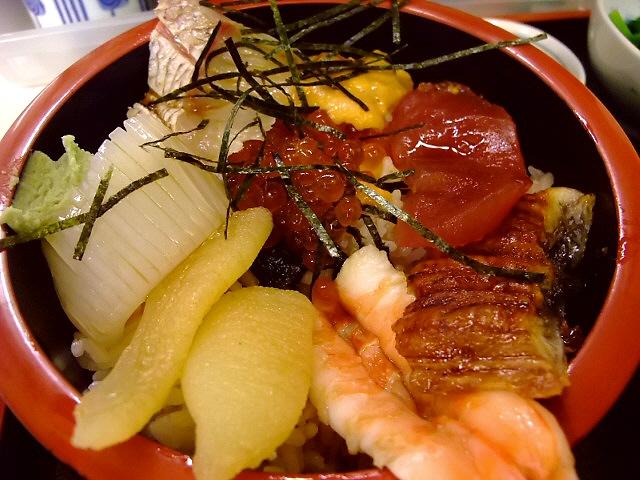 新鮮で豪華な海鮮丼 福島区 「海鮮居酒屋 新鮮丸」