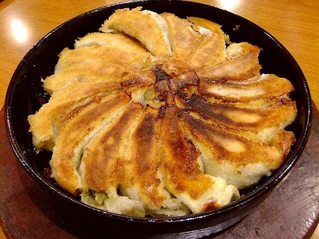 Mのちょっと一杯  博多名物!熱々の鉄鍋餃子はメチャ旨でした!  堺  「鉄なべ 堺東店」