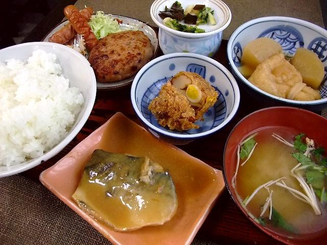 安くてボリューム満点!地元で愛されるお食事処 東天満 「梅香」
