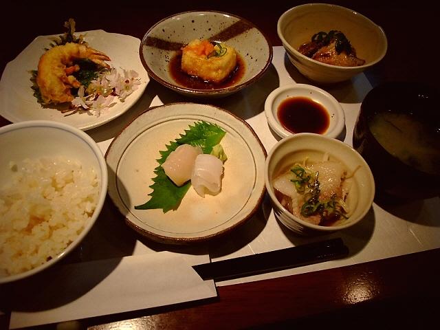 あれこれちょっとずつ色々食べられる超お値打ちランチ! 北新地 「和 榮屋」