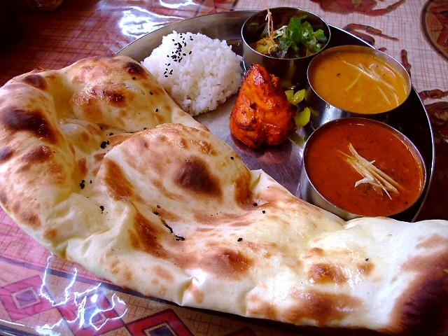 地元で愛される人気インド料理店  箕面市 「インド料理 シムラン」