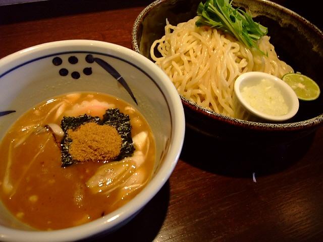 あの超大行列の味にあまりにも似ています! 福島区 「つけ麺 みさわ」