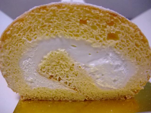 Mのおやつ ケフィアミルクのロールケーキ 豊中市 「アルケフィール」