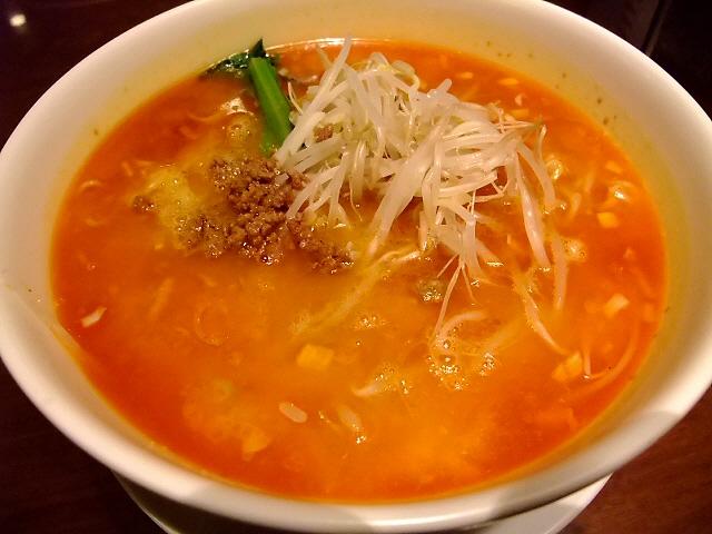 大人気の名物担々麺はレベルが高かったです! 本町 「湖陽樹 本町店」