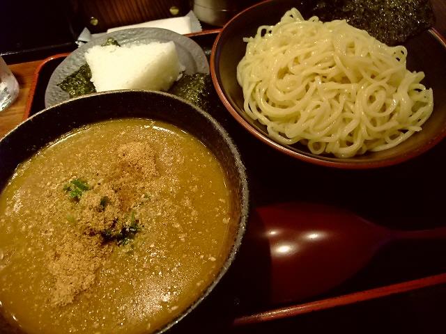 カレーラーメンの専門店は美味しくてお得です! 平野町 「楽山」