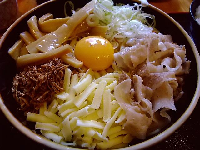 超濃厚カレー味のまぜ麺をいただきました! 中央区博労町 「宮崎郷土料理 どぎゃん」