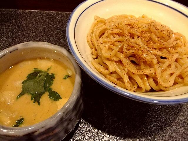 ただならぬこだわりと仕掛け満載のラーメン屋さん  福島区  「烈志笑魚油 麺香房 三く」
