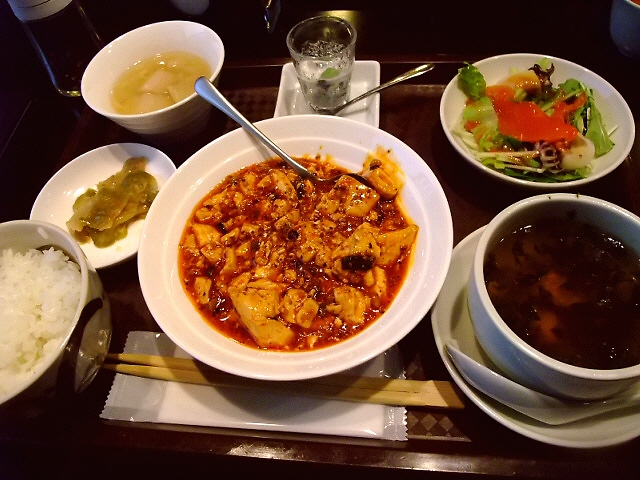 やっとめぐり合えました!念願の麻婆豆腐ランチ! 北新地 「中国料理 星華」