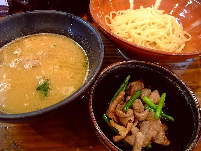 つけ麺のお店にリニューアルしました 福島区 「らーめん つけ麺 上方屋 五郎ヱ門」