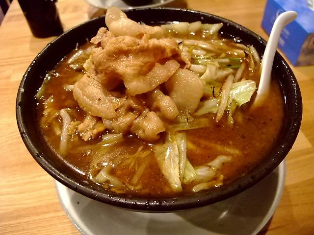 Mの〆 伝説のラーメン!まもなく大阪で食べられます! 某所 「某店」