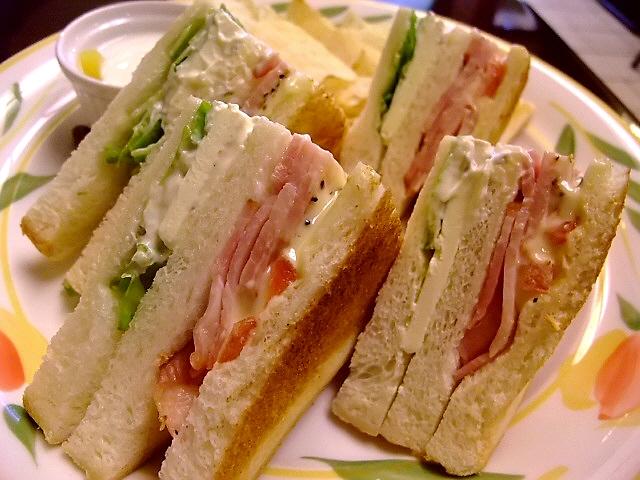 サンドイッチが大好きなので・・・また行ってしまいました!  中央区平野町 「蝸牛庵」