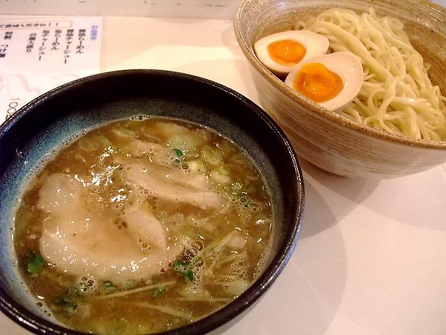 洗練されたWスープが旨い! 東成区 「東成きんせい」