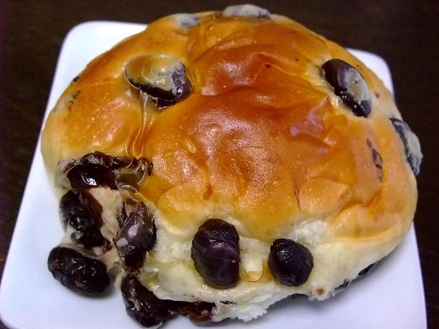 Mのおやつ 老舗の絶品黒豆パン 兵庫県篠山市 「小西のパン」