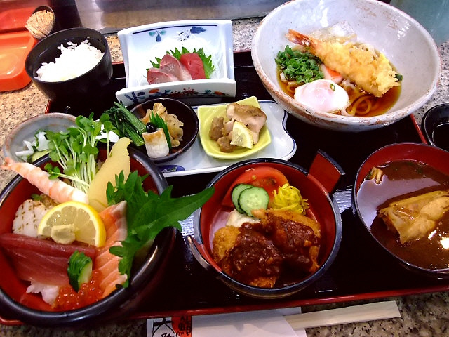 とんかつ屋さんが経営するお寿司屋さんの猛烈にお得な定食! 西成区 「大番鮨」
