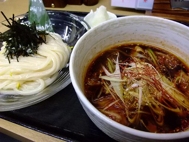 牛もつ入りの韓国風つけ麺・・・激ウマです! 千日前 「白庵」