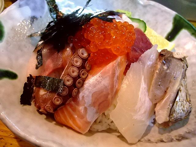 超巨大ネタの海鮮丼は健在でした! 谷町5 「一味禅」