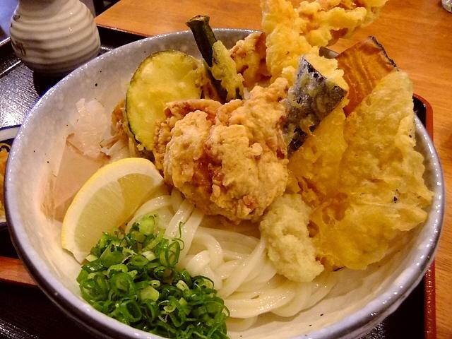 38番礼所  ソフトタイプの伸びの良い熟成麺は食べていてホッとさせていただけます  東三国  「熟成うどん なかや」