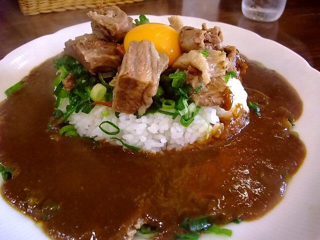 トロトロのスジ肉がフルーティーなカレーによく合います 西区千代崎 「いずみカリー」