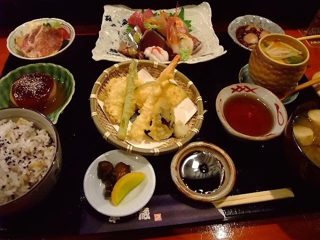 美味しくて信じられないくらいお得な御膳です! 高槻市 「幸蔵」