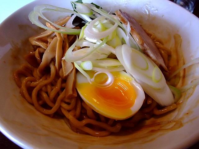 意外にさっぱり食べやすい極太の超剛麺の油そば 福島区 「らーめん原点 福島店」